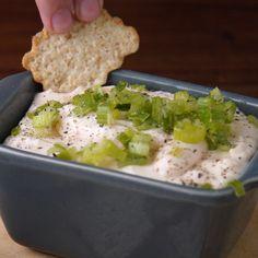 ¡En dos minutos el mejor dip para acompañar cualquier picada! Comida Picnic, Cheese Ball, Deli, Tapas, Brunch, Veggies, Appetizers, Healthy Recipes, Snacks