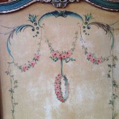 french changing screen Chalk Paint Furniture, Hand Painted Furniture, French Furniture, Changing Screen, Folding Screens, Antique Paint, Creative Play, Painted Doors, Diy Dollhouse