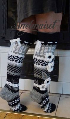 Crochet Socks, Knitting Socks, Crochet Clothes, Diy Clothes, Knit Crochet, Wool Socks, Knee High Socks, Crochet Crafts, Womens Slippers
