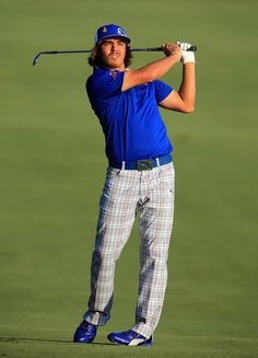 rickie fowler. Golf Attire, Golf Outfit, Rory Mclroy, Rickie Fowler, Athletes, That Look, Outfit Ideas, Sporty, Outfits