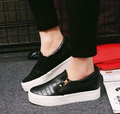 Women s High Platform Round Toe Snake Slip On Loafers Flat Sneakers Casual  Shoes 03911efbafb9d