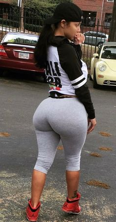 Thick big tits latina leggings