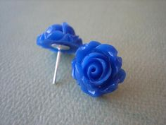 Adorable Cabbage Rose Earrings - Royal Blue -