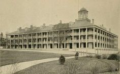 In the first Clifton House was built at the base of Ferry Road (now Clifton Hill) by Harmanus Crysler and became the best hotel available. 60 rooms and slept 100 people Niagara Falls Pictures, Clifton Houses, Niagara Falls Ny, Clifton Hill, Historical Pictures, Best Hotels, Paris Skyline, Rooms, Base