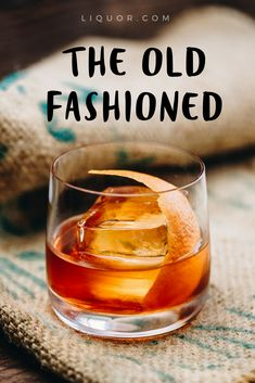 Bourbon Old Fashioned Recipe - Simple Old Fashioned Drink Recipe Whisky Cocktail, Bourbon Cocktails, Whiskey Drinks, Classic Cocktails, Fun Cocktails, Scotch Whiskey, Whiskey Sour, Rye Whiskey, Irish Whiskey
