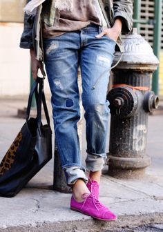 slouchy jeans, oxfords (fushia) and tote