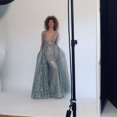 WEBSTA @ fashionistaoverdose - ✨😱😍 O que acharam, meninas!?....by @teutamatoshiduriqi#cinderella #vestidodeprincesa #cinderelladress #statement #vestidodefesta #fashion #moda #modafeminina #modablogueira #modaparameninas #modaparamulheres #princesa #gown #gowns #statementdress #glitter #vestidodeluxo #vestidobordado #glamour #luxo #luxury #luxurydress #vestidododia #dressoftheday #sparkle #dresses #dress