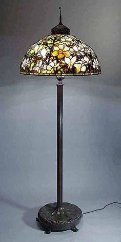 Magnolia Tiffany lamp
