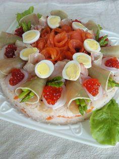 お寿司のデコレーションケーキ