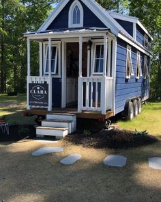 Walkthrough video tour of the &; tiny house on wheels built from a Tumbleweed plan and curr&; Walkthrough video tour of the &; tiny house on wheels built from a Tumbleweed plan and curr&; Kaylah VonRueden […] Homes Plans on wheels Tiny House Village, Tiny House Cabin, Tiny Houses For Sale, Tiny House Living, Tiny House On Wheels, Tiny House Design, Small House Plans, Home Design, Living Room