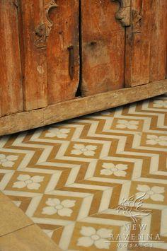 Maharaja 1 marble mosaic in Lagos Gold and Calacatta Tia, New Ravenna Mosaics. Floor Patterns, Tile Patterns, Floor Design, Tile Design, Ceramic Design, Design Bathroom, Bathroom Interior, Modern Bathroom, Ravenna Mosaics