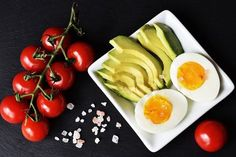 Discover what is a keto diet. Know how it works, its pros and cons, and what foods you can and cannot eat while on a keto diet. And is a keto diet safe? Diet Ketogenik, Ketosis Diet, Keto Diet Plan, Diet Meal Plans, Diet Foods, Keto Meal, Lchf Diet, Ketosis Symptoms, Diet Menu