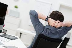 Teamwork als Allheilmittel? Von wegen. Nicht selten wird die Arbeit im Team als Einladung zur Faulheit verstanden. Wie Sie Faulenzer erkennen:   http://karrierebibel.de/faul-im-job-so-erkennen-sie-faulenzer/