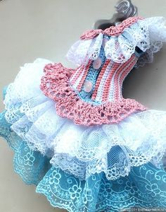Baby Doll Clothes, Crochet Baby Clothes, Doll Clothes Patterns, Knitted Dolls, Crochet Dolls, Knit Crochet, Doll Crafts, Diy Doll, Crochet Doll Pattern