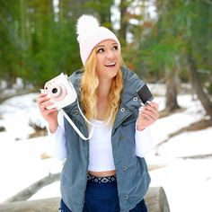 """""""snow day ☃❄️ ps..add me on snapchat if you haven't already!! it's LidaLu11 hehe alsooo, what's the weather like where you are?!? """""""