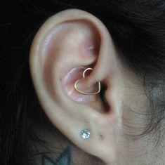 Ideas for piercing orelha feminino ideias Piercing Tattoo, Foto Piercing, Smiley Piercing, Cute Ear Piercings, Dermal Piercing, Body Piercings, Ear Jewelry, Cute Jewelry, Jewellery