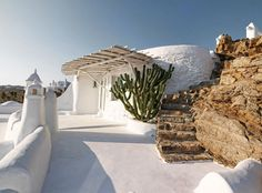 Sunday Sanctuary: Mykonos Magic