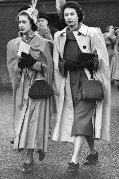 2 children of King George VI (Albert Frederick Arthur George) & Elizabeth (Elizabeth Angela Marguerite Bowes-Lyon) Princesses Margaret Rose & Elizabeth II (Elizabeth Alexandra Mary) Princess Elizabeth, Queen Elizabeth Ii, Princess Diana, George Vi, Princesa Margaret, Kate Middleton Queen, Die Queen, Mode Chanel, Isabel Ii