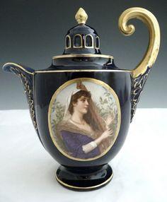 Royal Vienna Double Portrait Teapot from Victoria's Curio Chocolate Pots, Chocolate Coffee, Tea Cup Saucer, Tea Cups, Teapots Unique, Cafetiere, Tea Pot Set, Teapots And Cups, Tea Service