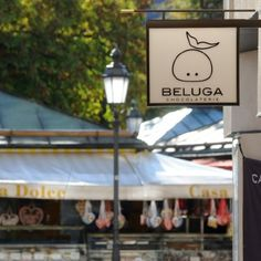 Beluga Chocolate Shop and cafe directly at the Viktualienmarkt