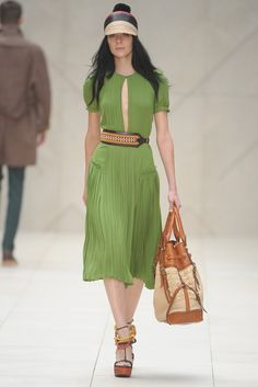 Burberry Prorsum Spring 2012. If I could marry this dress, I would. LOVE LOVE LOVE.