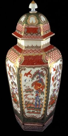Covered Hexagonal Vase Worcester Factory Date: ca. 1770