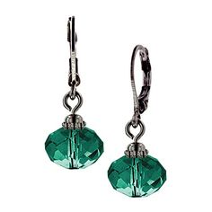 With a detailed multifaceted cut, these emerald tone bead drop earrings create a lot of shine! 1928/2028