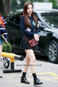 Twice Nayeon Airport Fashion - Official Korean Fashion Korean Fashion Trends, Kpop Fashion, Daily Fashion, Girl Fashion, Fashion Outfits, Airport Fashion, Fashion Styles, Fashion Ideas, Basic Outfits