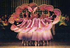 The fan dance (Buchaechum) is regarded as the most unique Korean traditional dance.