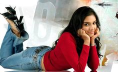 Asin Thottumkal Hot