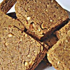 Paçoquinha FIT  (sou apaixonada)  Ingredientes 〰〰〰〰〰〰〰〰〰〰〰〰〰〰〰 ✔3 colheres.sopa de pasta de amendoim ✔6 colheres.sopa de farinha de aveia ✔3 colheres.sopa de amendoim torrado já moído ✔1 1/2 colher.sopa de farinha de linhaça dourada ✔adoçante a gosto 〰〰〰〰〰〰〰〰〰〰〰〰〰〰〰〰〰〰〰 ➡Misture tudo muito bem numa tigela, molde no formato que deseja e leve à geladeira por 1 hora para ficar firme.  Depois se delicie e cuidado pra não comer tudoooo, kkk  〰〰〰〰〰〰〰〰〰〰〰〰〰〰〰〰〰〰〰 #caleffireceitasfit…