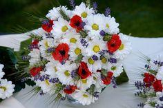 svatební kytice natrhaná na louce