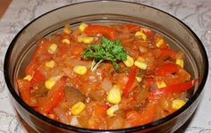 Ryba w papryce i cebuli Thai Red Curry, Salads, Fish, Ethnic Recipes, Pisces, Salad, Chopped Salads