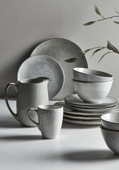 Kitchen Furniture & Accessories, Luxury Kitchenware & Tableware UK There are many kitchen utensils. Stoneware Mugs, Ceramic Plates, Stoneware Dinnerware Sets, Grey Dinnerware, Rustic Dinnerware, Keramik Design, Blue Abstract, Abstract Canvas, Blue Canvas