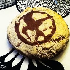 Hunger Games Stencil. I'm pretty sure I could reduce image size & apply to cookies....! Nerdtastic! :D