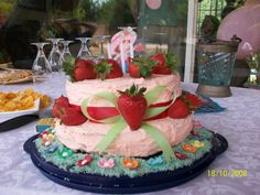 Strawberry Shortcake Party - the cake