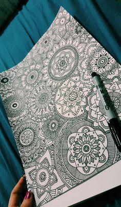 Mandalas bellas Mandala Doodle, Mandala Canvas, Mandala Drawing, Mandala Painting, Doodle Art, Cool Art Drawings, Colorful Drawings, Art Sketches, Dibujos Zentangle Art
