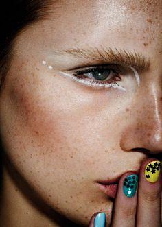 artsy makeup inspo