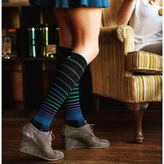 Grab a pair of Sockwell compression socks to enhance performance, speed up recovery after a tough workout and keep your legs feeling great all day. These socks reduce fatigue and swelling, making them great to wear to work, while traveling or at the gym. Available at www.brightlifego.com  #sockwell #compressionsocks #stripes