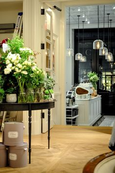 Toby's Estate's new Flat Iron cafe, with Strand Books at Club Monaco.   See more photos at FRSHGRND.com! #interiordesign