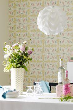 Tikkurila Duett Joy -tapetti ja tapettiin täydellisesti sopiva maalisävy F306… Vase, Interior, Home Decor, Decoration Home, Room Decor, Design Interiors, Flower Vases, Interiors, Interior Design
