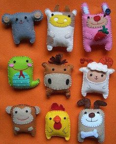 little felties! so cute,kitsch and kawaii mini gifts for friends and little ones or make great brooch badges and bag charms Cute Crafts, Felt Crafts, Fabric Crafts, Sewing Crafts, Crafts For Kids, Diy Crafts, Diy Projects To Try, Craft Projects, Sewing Projects