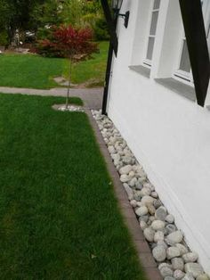 35 Trendy Ideas Landscaping With Rocks Around House Grass 35 Trendy Ideas Landscaping With Rocks Aro Landscaping Around House, Home Landscaping, Landscaping With Rocks, Front Yard Landscaping, Landscaping Software, Landscaping Borders, House Landscape, Landscape Design, Garden Design