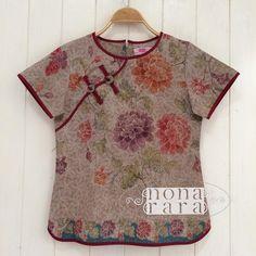 """B030317 - IDR295.000 Bustline : 88cm Fabric: Batik Encim Pekalongan"""