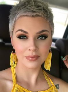23 Best Short Pixie Haircut For Stylish Woman - Kurz haare Pixie Haircut For Round Faces, Pixie Haircut For Thick Hair, Short Hair Styles For Round Faces, Haircuts For Fine Hair, Round Face Haircuts, Short Hairstyles For Women, Short Hair Cuts For Women, Super Short Pixie, Edgy Short Hair