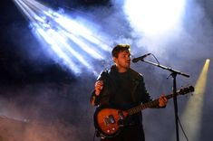 Mike Kerr of Royal Blood performs during day three of Leeds Festival in Bramham Park, Leeds. Mike Kerr, James Kerr, American Idiot, Royal Blood, Sports Pictures, Figure It Out, Rock Music, Night Life, Concert