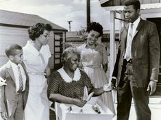 A Raisin in the Sun | film by Petrie [1961] | Britannica.com