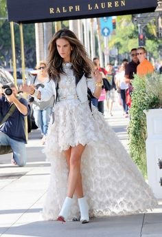 Alessandra Ambrosio's hair on the shoot of her latest Chanel champaigne is giving me life right now!