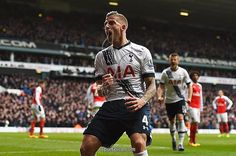 Toby Alderweireld celebrates vs. Arsenal