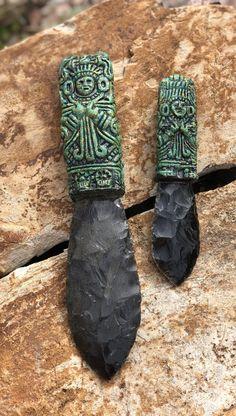 Aztec Tlalche Obsidian Knives- Priestess Aztec Tecpatl Obsidian Knives / Price is per knife Chhose from Small 7 ¾ Obsidian Blade, Obsidian Knife, Aztec Weapons, Mayan Tattoos, Indian Tattoos, Aztec Culture, Flint Knapping, Aztec Calendar, Aztec Warrior
